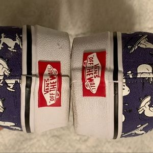 Vans Shoes - Unisex Vans Snoopy Sneakers
